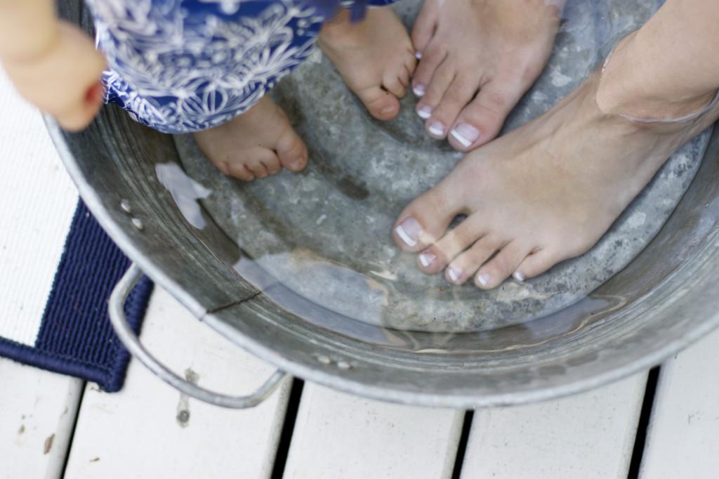 pedicure pretty beautiful feet amope tool campaign