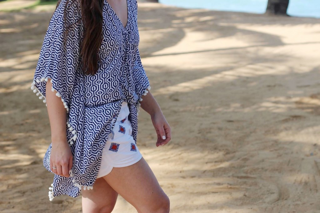 j.crew embroidered shorts embellished pom pom kaftan blogger style street look maui vacation restaurant suggestions