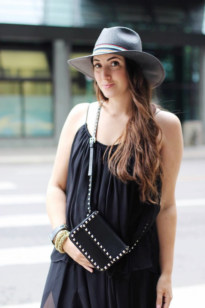 cross body black rock stud bag blogger style street style canadian blogger Elizabeth james dress black tiered