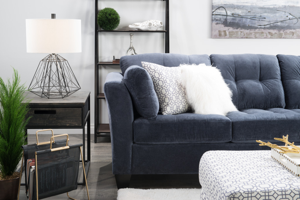 d2b-blogger-shoot0328d2b-blogger-shoot0345 kira paran the brick blue sofa living room design how to