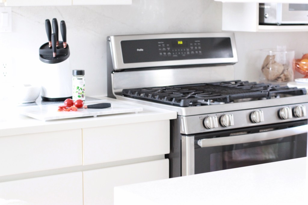 GE range gas stove modern white marble kitchen the brick Canadian mom blogger lifestyle