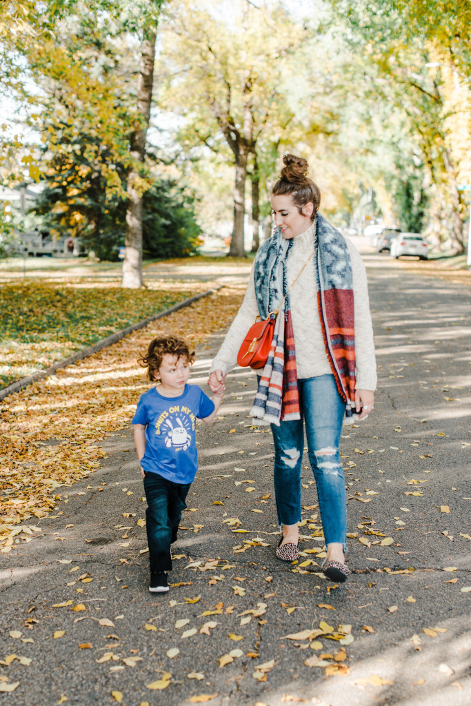 Fall mom style fashion edmonton bamboo ballroom how to wear a blanket scarf red chloe drew bag